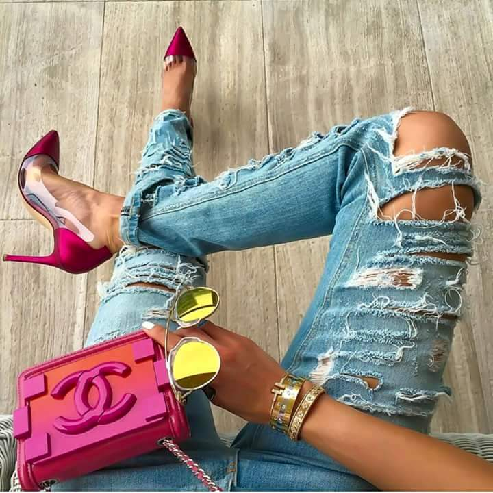 #TGIF: How to Survive All Night in Heels