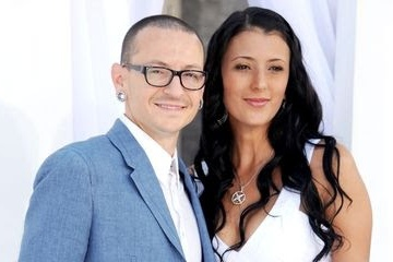 linkin park chester AND WIFE