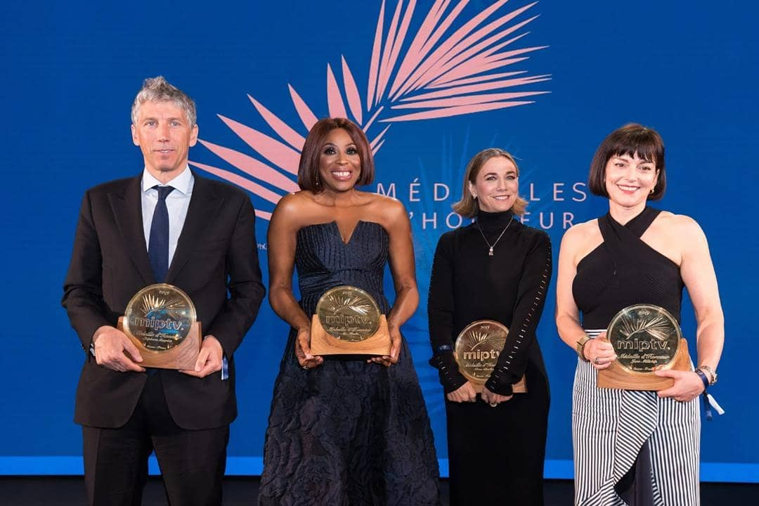 Mo-Abudu-Medaille-Dhonneur-in-Cannes5