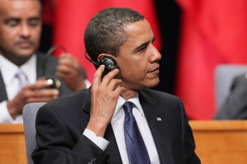 barack-obama-headphones